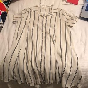 LUSH button down t-shirt dress